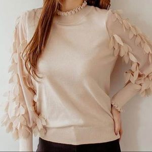BUTTERFLY SLEEVE SWEATER